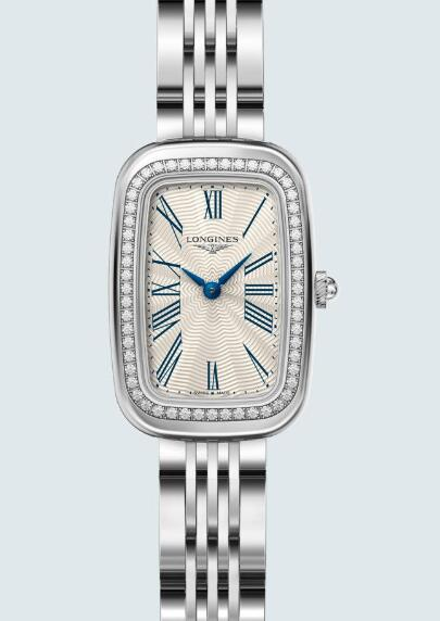 The best Longines watches knockoff have all steel watch bodies that look glossy and gentle.