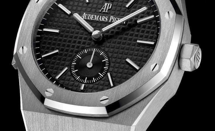The 42 mm fake Audemars Piguet Royal Oak 26591PT.OO.D002CR.01 watches havee black dials.