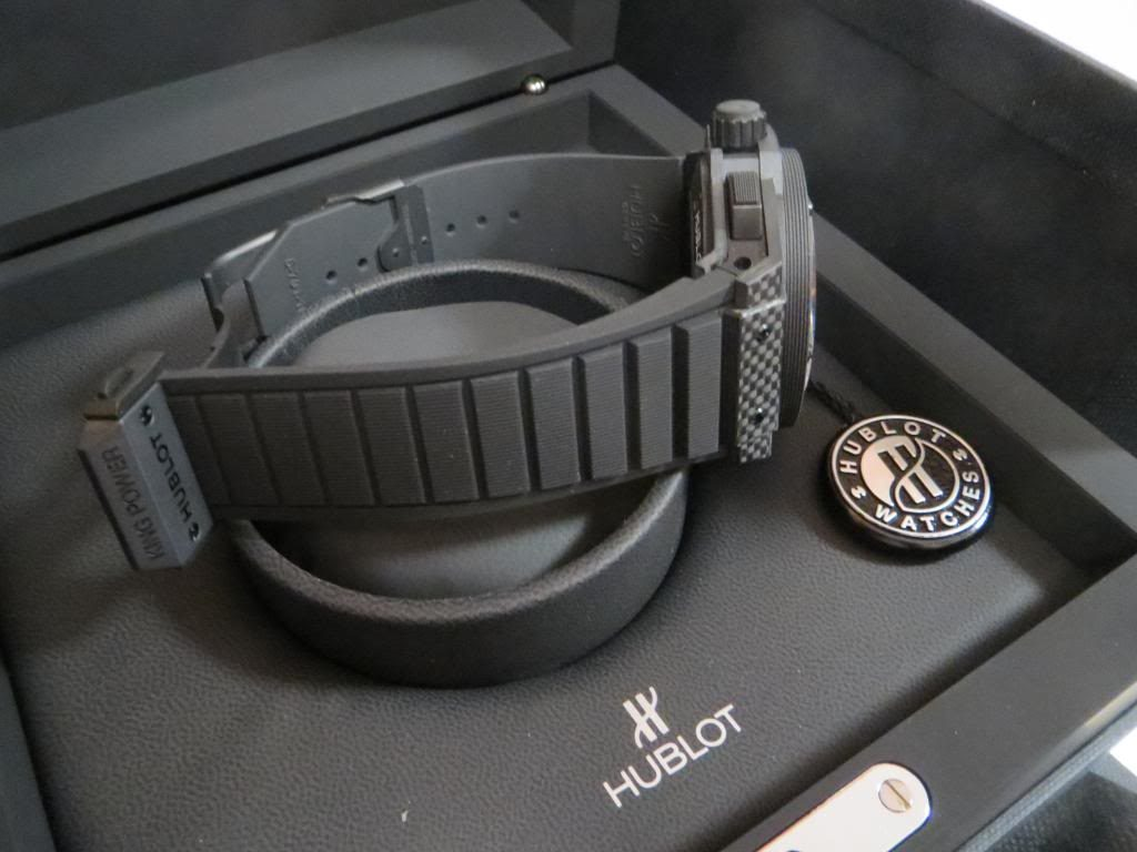 The durable fake Hublot King Power 706.CI.1110.RX watches have black rubber straps.