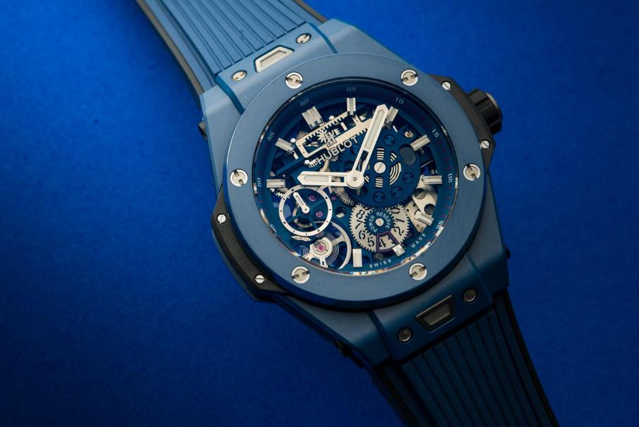 The blue ceramic fake Hublot Big Bang Meca-10 watches have skeleton dials.