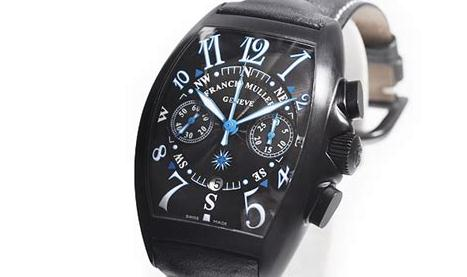 The black dials copy watches have luminant Arabic numerals.