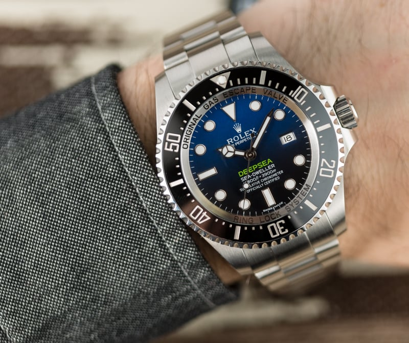 The water resistant replica watches are designed for divers.