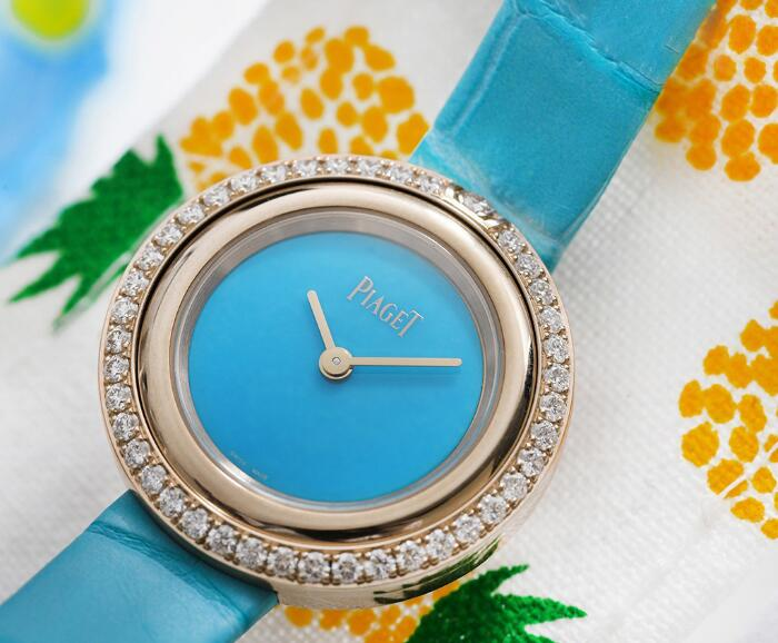 Swiss duplication watches are showy with blue color.