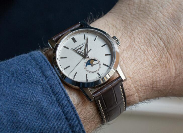 Swiss replication watches online have moon phase.